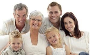 ancianos-padres-nietos